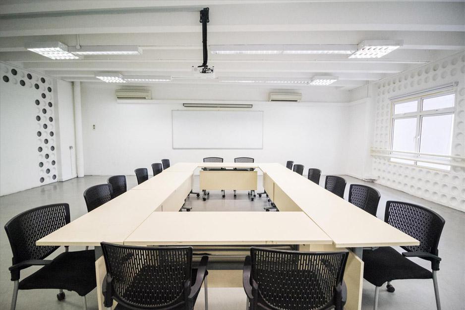 GOODMAN-ART-CENTRE-MEETING-ROOM-STILL-13