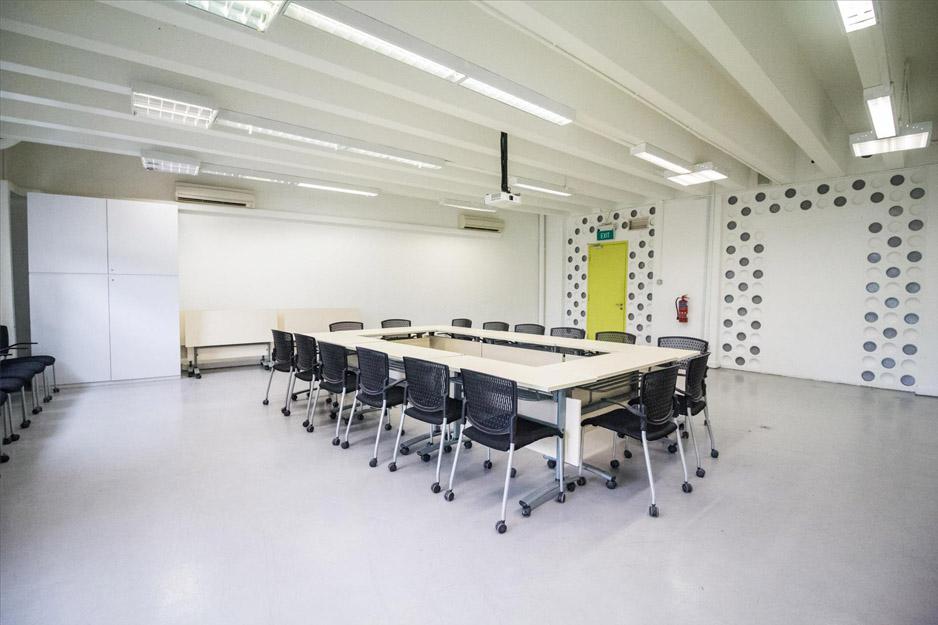 GOODMAN-ART-CENTRE-MEETING-ROOM-STILL-16