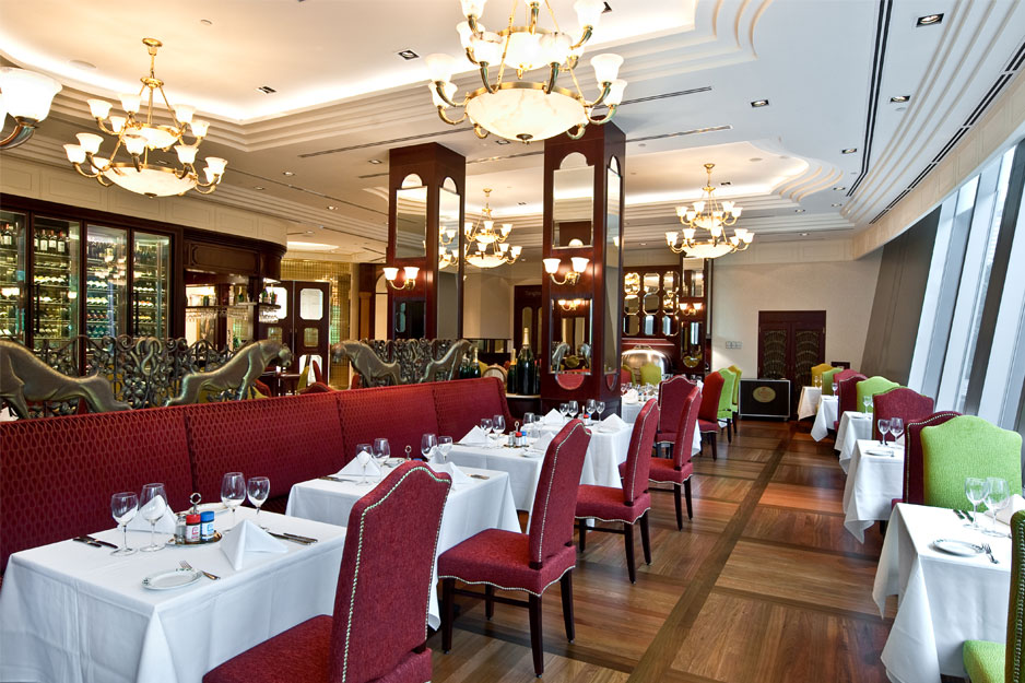 Lawry's-Main-Dining-Interior-3